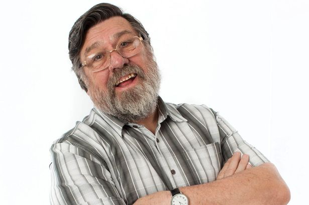 Enjoy Celebrity Radio's Ricky Tomlinson Life Story Interview ~ Jim Royle Family….. As an actor Ricky has appeared as Bobby Grant in the soap opera Brookside […]