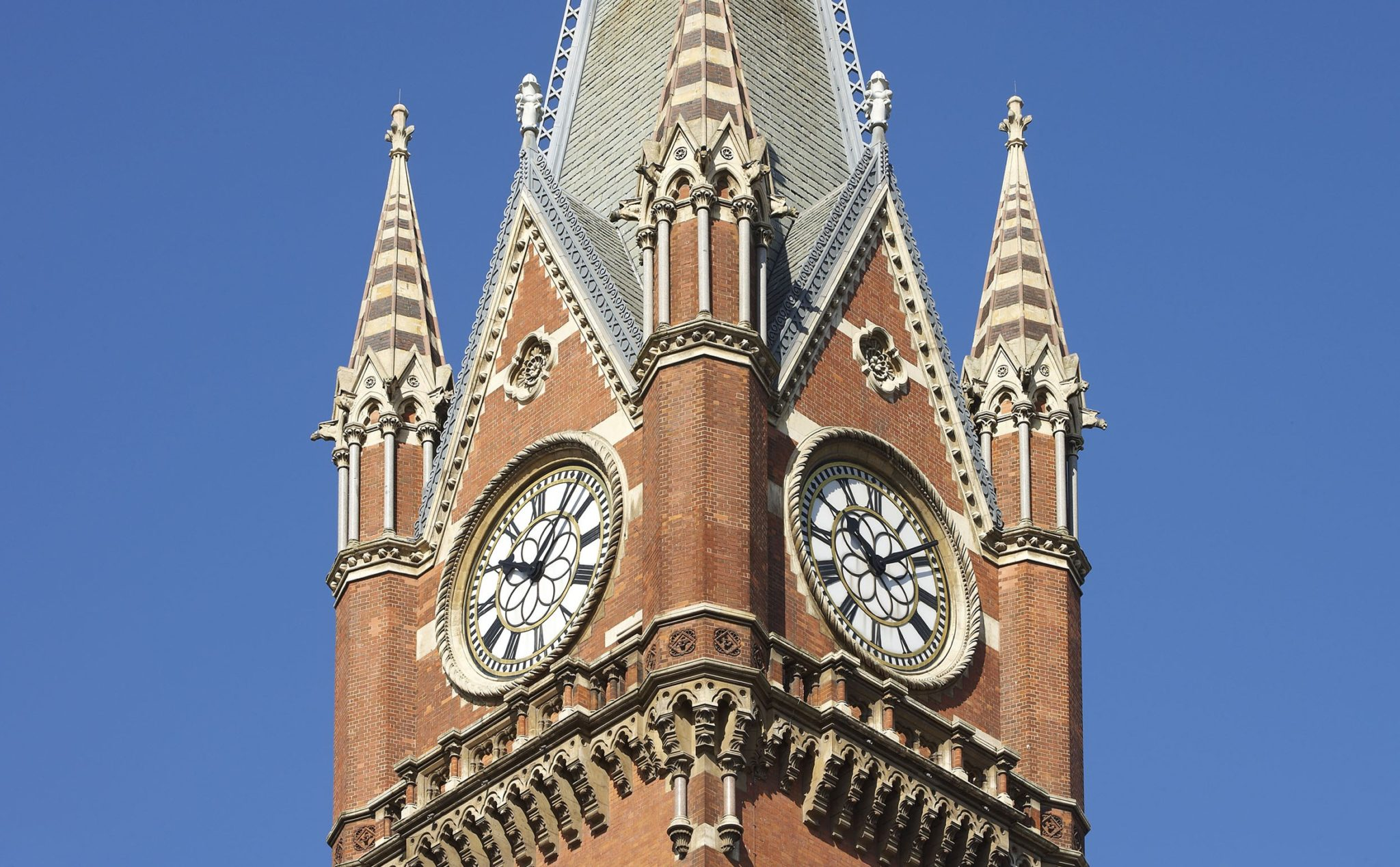 St Pancras Renaissance Hotel London Review….. London is full of decadent & delightful 5* hotels, however, The St. Pancras Hotel by Renaissance is an extra-ordinary, […]