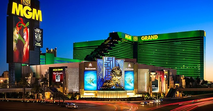 Enjoy Celebrity Radio's MGM Grand Las Vegas Review ~ Rooms / Restaurant / Shows / Spa….. If you asked 100 people to name any hotel […]