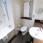 Crowne Plaza London Ealing Review Executive Bathroom