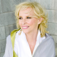 Anita Shreve is an American writer who has written 18 best selling novels. Enjoy an Exclusive interview. The daughter of an airline pilot and a […]