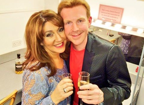 Enjoy Celebrity Radio's Jane McDonald Interview – Leaving Loose Women & Pantomime….. Jane McDonald is unquestionably one of the most successful, highest earning, most popular and ridiculously talented Stars in