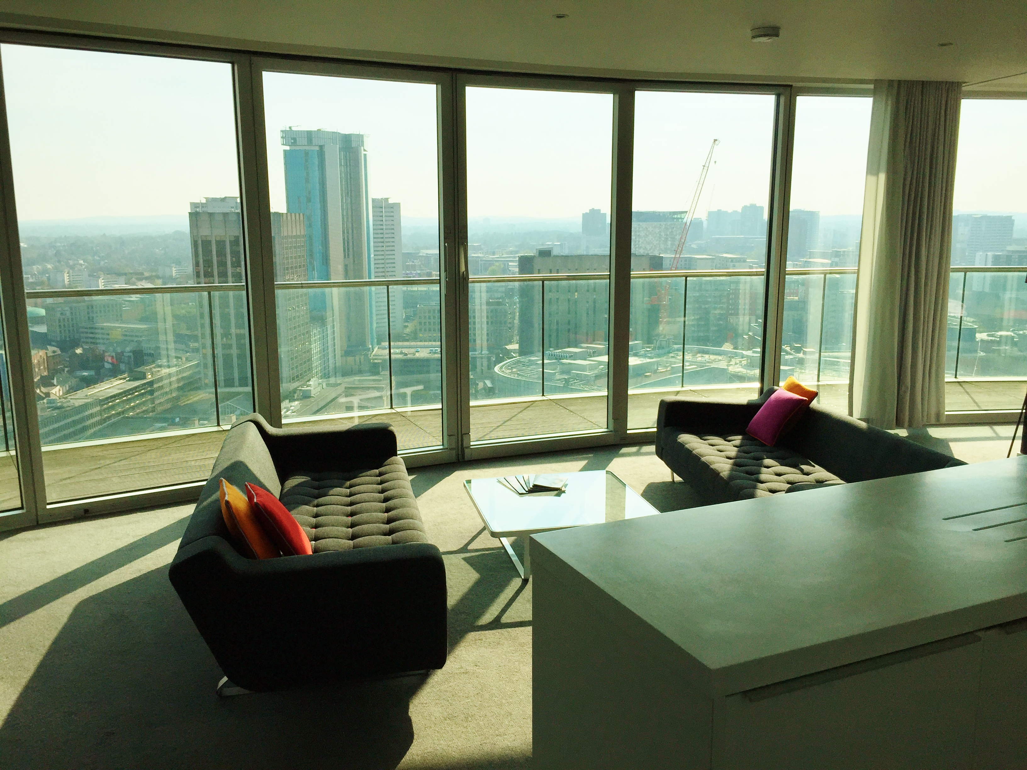 Penthouse 2 Bed Staying Cool Rotunda Birmingham 5 Review