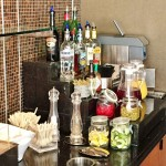 Delta Sky Club Lounge review Free alcohol