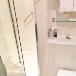 Review Doubletree by Hilton London Westminster Bathroom