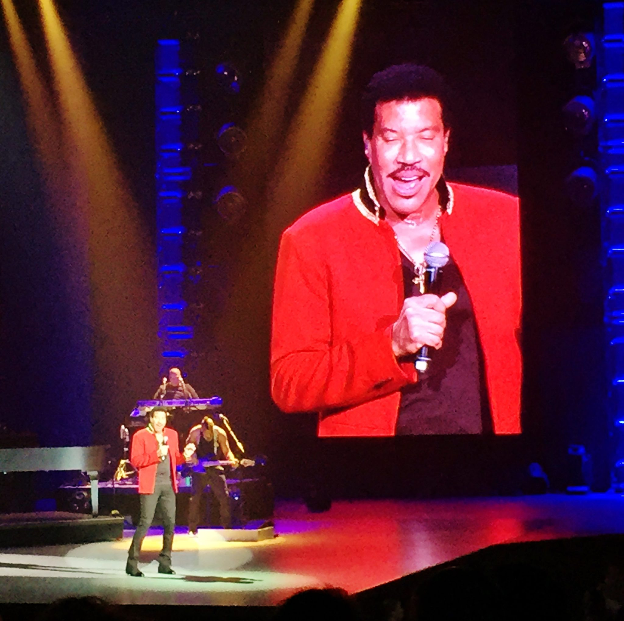 Review lionel richie all the hits planet hollywood las vegas lionel richie las vegas pictures video review planet hollywood kristyandbryce Gallery