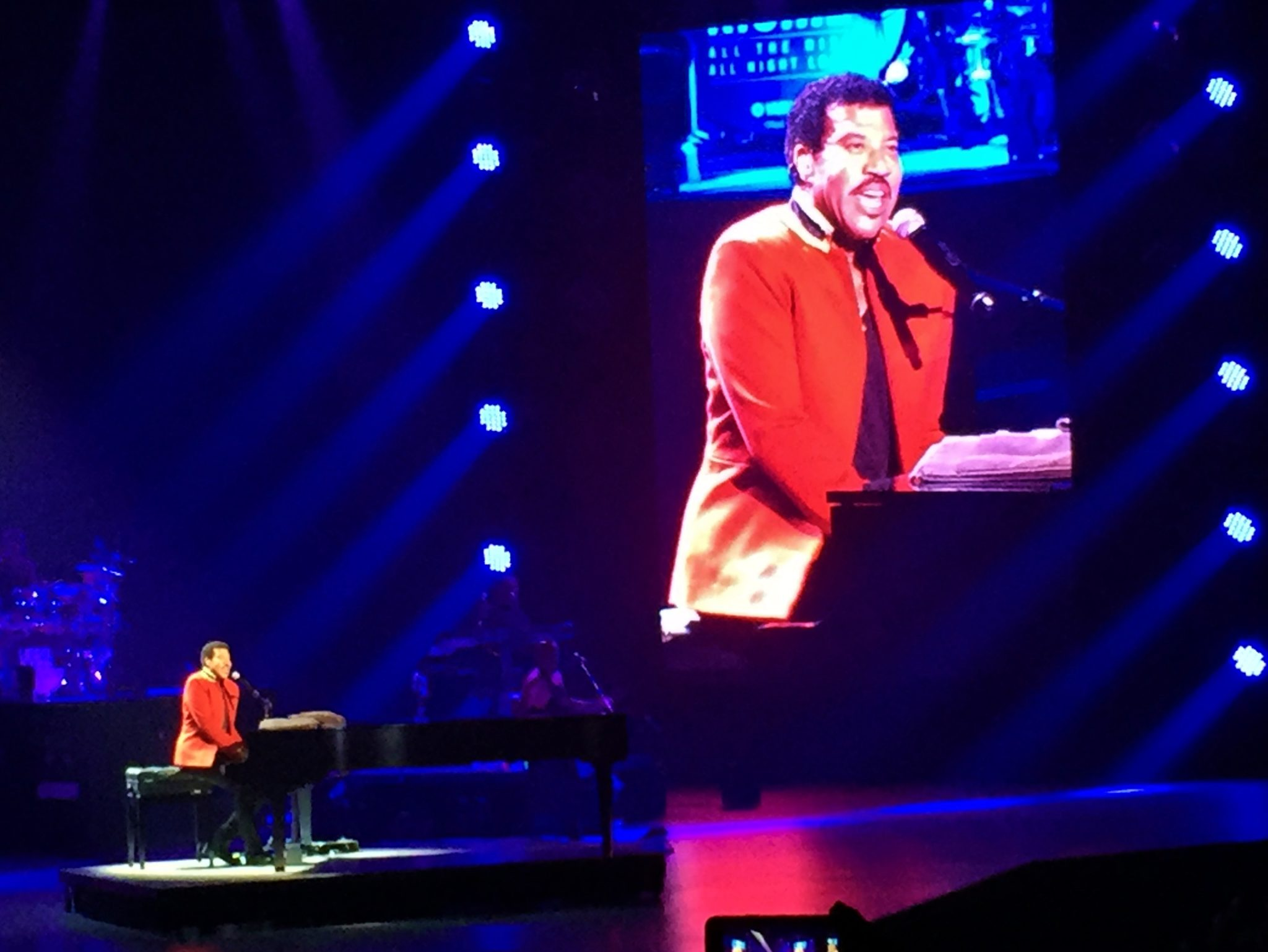 Review lionel richie all the hits planet hollywood las vegas lionel richie las vegas pictures video review kristyandbryce Gallery