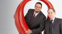 Enjoy Celebrity Radio's Review PennAnd Teller Rio Las Vegas….. Penn & Teller are the bad boys of magic. The anti-magicians who push the boundaries and laugh in the face of