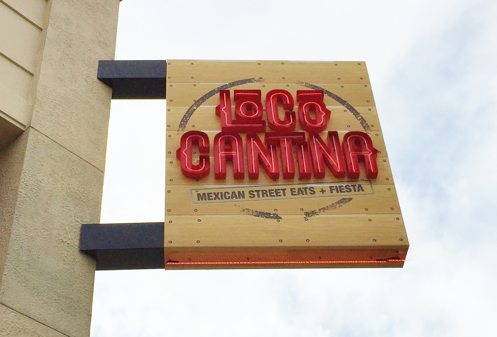 EnjoyCelebrity Radio'sExclusive Review Loco Cantina Restaurant Las Vegas… We were thrilled to be invited to Town Square to visit a new bar &restaurant for us, […]