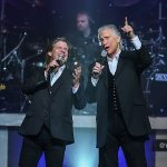 Review Righteous Brothers Las Veas