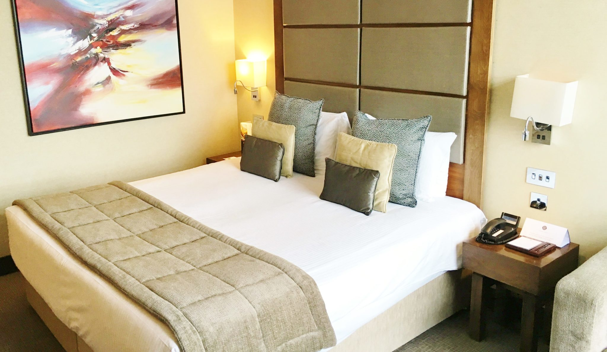 Enjoy Celebrity Radio's Review Grange Tower Bridge Hotel 5* London… The Grange Tower Hotel is a glorious property located seconds from the Tower of London […]