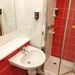 bathroom review-ibis-styles-blackpool