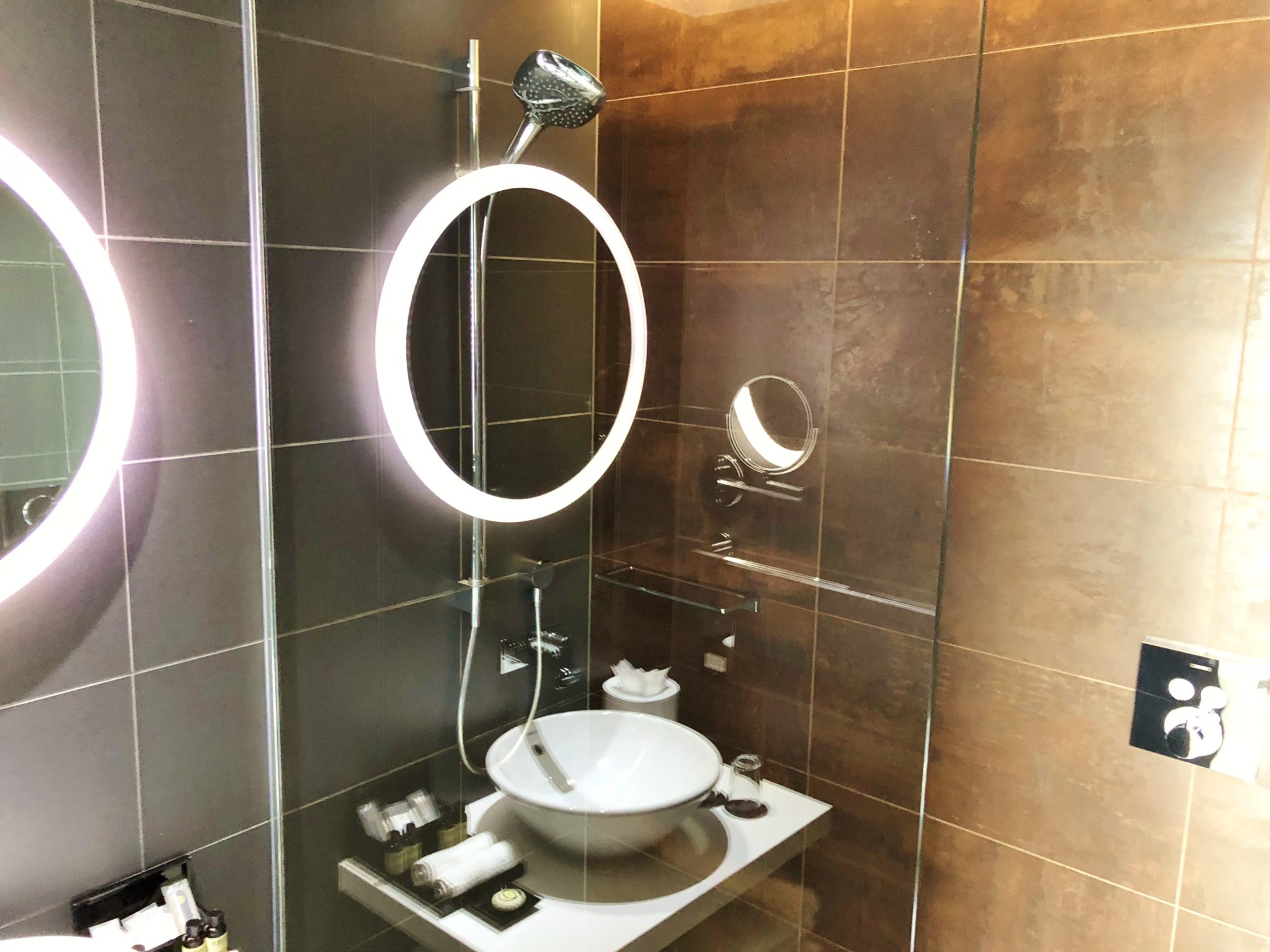 Liverpool Pullman Bathroom Review [Review PULLMAN Hotel Liverpool]