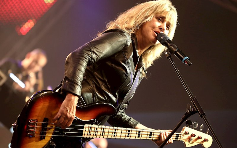 Enjoy Celebrity Radio Suzi Quatro Interview… Even in the highly adrenaline-fuelled music business, it's rare to find a bundle of energy on a par with Suzi […]